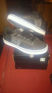 dc shoes brand new size 10.5, fits like a 10 tho..... $60