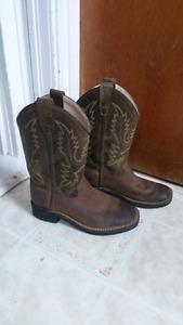 Boys leather cowboy boots (sz 1)