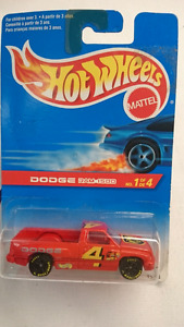 1995 HOT WHEELS DIE CAST DODGE RAM 1500 RED 1:64 NIP