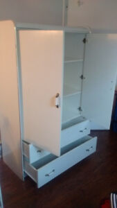 White Dresser/Bureau $175 OBO  -NEED GONE BY AUG 17TH!!!!