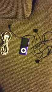 8 gb ipod for sale with charger