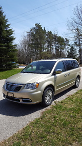 2012 Chrysler Town & Country Limited Minivan, Van