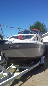 1986 23.9 Grew cabin cruiser boat