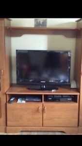 Wall units and center table 70$