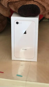 NEW Iphone 8 64 GB GOLD unlocked $650