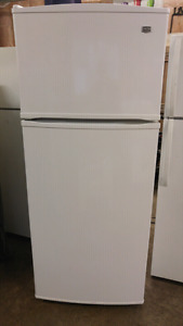 ENERGY Efficient! 18 cu.ft. ALL WHITE MAYTAG Fridge... LIKE NEW!