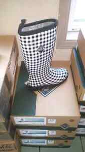 "BRAND NEW ""MUCK"" Womans and kids boots"