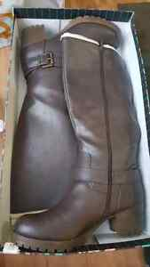 Women's size 12 lined brown boots