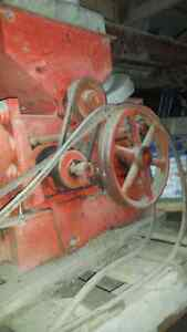 Champion #20 Roller Mill, oats or mix grain Stratford Kitchener Area image 4