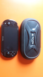 PS vita, 4 games, 8gig Micro sd
