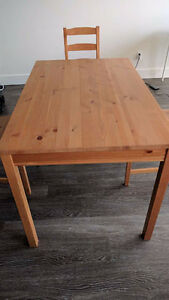 Wood dinning Table with 3 chairs