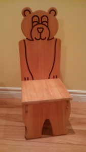 Toddler wood chair - like new