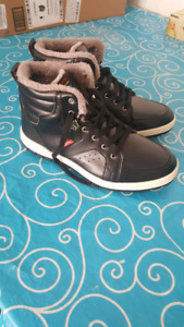 New winter boots size 11.5 - 12 (never used)