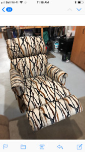 Lazy boy furn  Chesterfield two chairs almost new prices below
