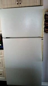 Fridge and Stove  (Pick up only)