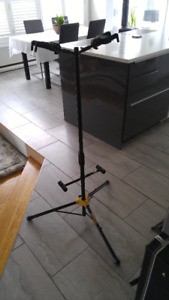 Hercules GS422B A/G DUO Guitar Stand 40$ Excellent Condition