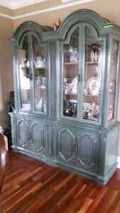 Solid wood display cabnet