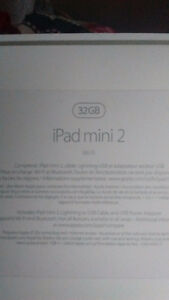 IPAD MINI 2 IN BOX BRAND NEW !!