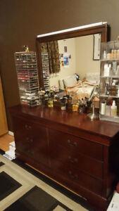 Dresser / makeup vanity with mirror