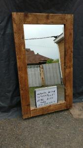 miroir en bois de grange .