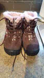 Sz 8.5 toddler  geox winter boots
