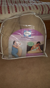SEALY MATERNITY PILLOW