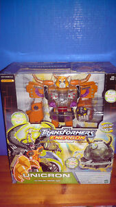 RARE - Transformers Energon - Unicron with Dead End