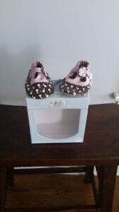Robeez baby shoes - brand new in box