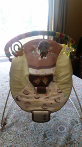 BRIGHT STARTS BABY SEAT WITH VIBRATE &MUSIC & EXTRAS
