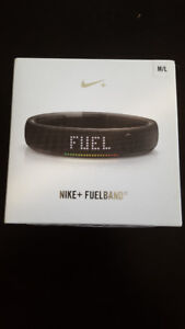 NIKE+FUELBAND FOR SALE SIZE M/L