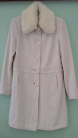 Warm Washable! Cream Ladies Coat size 10-12 in good/clean condition!