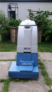 EDIC SUPERNOVA 1200 CARPET EXTRACTION CLEANER - LIKE NEW!!