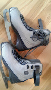 Ladies Size 6 Molded Figure Skates
