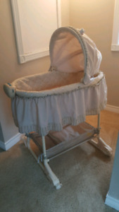 Bassinet - hardly used