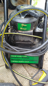 Craftsman  Clean n Carry 2000 psi Gas Pressure Washer