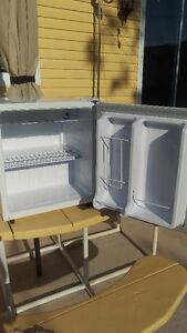Danby 1.6 cu ft Compact Refrigator