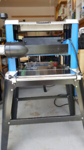 Planer with stand