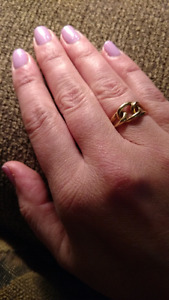 Solid 10k gold knot ring, 7.5