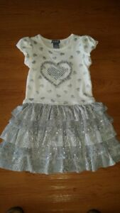 Silver and cream colored short sleeved dress - size 5