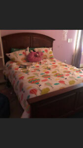 Queensize headboard, footboard and frame