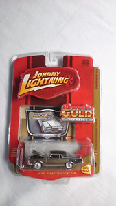 JOHNNY LIGHTNING 69 LINCOLN CONTINENTAL MARK III CHROME DIE CAST