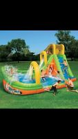 Wipeout curve water slide