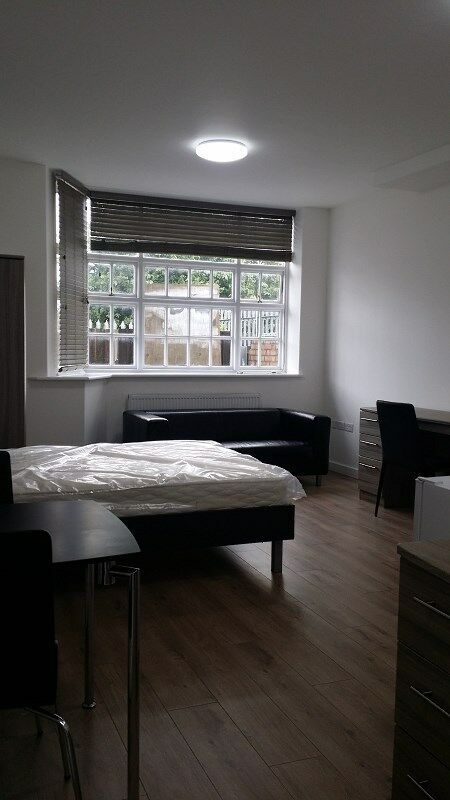 STUDIO FLAT: BURNSIDE ROAD, CHADWELL HEATH . RM8 1XD - INCLUSIVE BILLS
