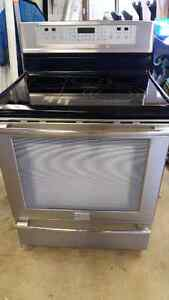 NEW PRICE!!! Frigidaire Profesional stainless steel stove