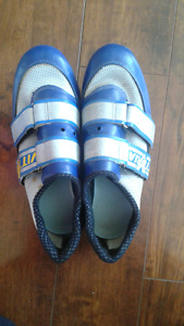 Size 40 cycling shoes