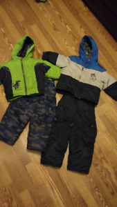 Carter's winter snowsuit size 3T ONLY