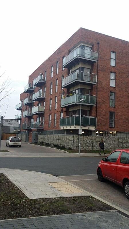 3 BED NEW BUILT APARTMENT: OXFORD HOUSE DEAN PATH DAGENHAM RM8 2FA