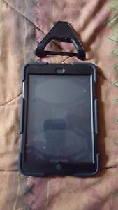 Étui ipad robuste et vitre de protection avec support