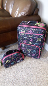 Suitcase and Carry-on Set.  Excellent condition!