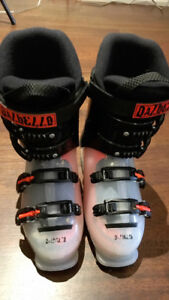Youth size 6.5 / 24.5 Dalbello Menace 4 Ski Boots